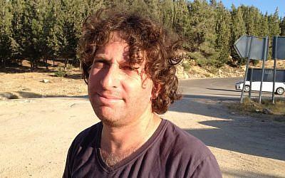 Israeli poet Eliaz Cohen (photo credit: Elhanan Miller/Times of Israel)