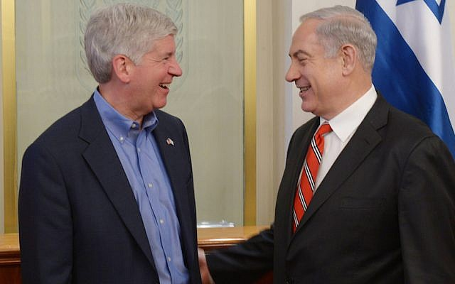 Prime Minister Benjamin Netanyahu meets with Michigan Governor Rick Syder in PM Netanyahu's office in Jerusalem. June 17, 2013. (Photo credit: Amos Ben Gershom/GPO/FLASH90)
