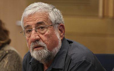 MK Amram Mitzna (Hatnua),  seen in the Knesset February 24, 2014. (photo credit: Hadas Parush/Flash 90)