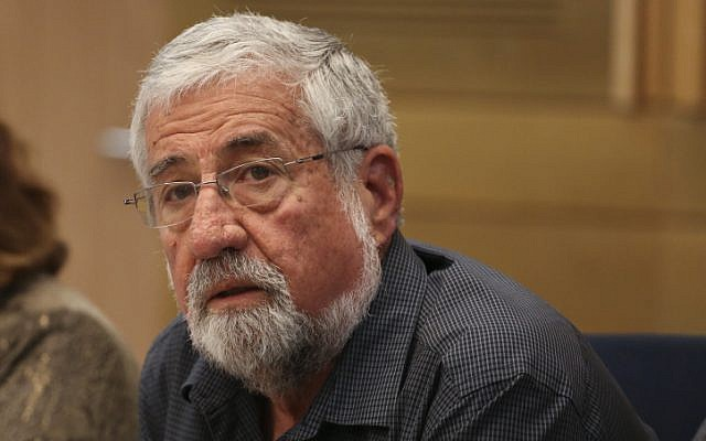 MK Amram Mitzna (Hatnua),  seen in the Knesset February 24, 2014. (photo credit: Hadas Parush/Flash 90)