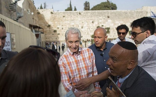 Charlie Watts, drummer for The Rolling Stones, seen visiting the Western Wall in Jerusalem's Old City on Tuesday, June 3, 2014, a day before the band's concert in Tel Aviv (Photo credit: Yonatan Sindel/Flash 90)