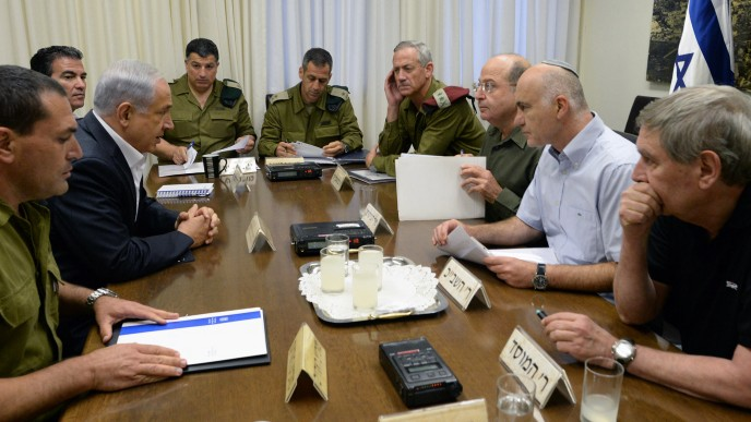 Prime Minister Benjamin Netanyahu meets with IDF Chief of STaff Benny Gantz, Defense Minister Moshe Ya'alon, Chief of the SHin Bet Intelligence Yoram Cohen and Director of the Mossad, Tamir Pardo at the Defense Ministry in Tel Aviv, to discuss the disappearance of three Jewish teenagers near Hebron, in the West Bank, June 14, 2014. (Photo credit: Kobi Gideon/GPO/Flash90)