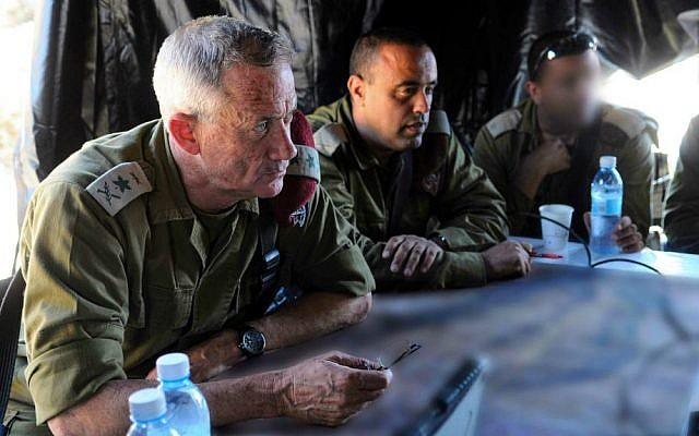 IDF Chief of Staff Benny Gantz (L) visits IDF soldiers as they take part in an operation to locate three Israeli teens kidnapped near the West Bank city of Hebron on June 24, 2014. (Photo by IDF Spokesperson/Flash90)
