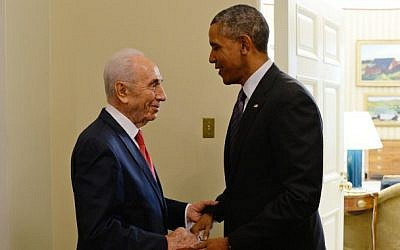 President Shimon Peres meets with US President Barack Obama at the White House on June 25, 2014. (Photo by Kobi Gideon/GPO/FLASH90)
