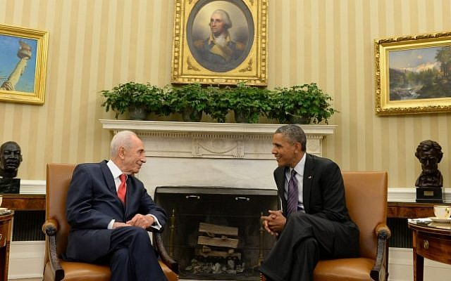 Israeli President Shimon Peres meets with American President Barack Obama in Washington on Wednesday (photo credit: Kobi Gideon / GPO/FLASH90)