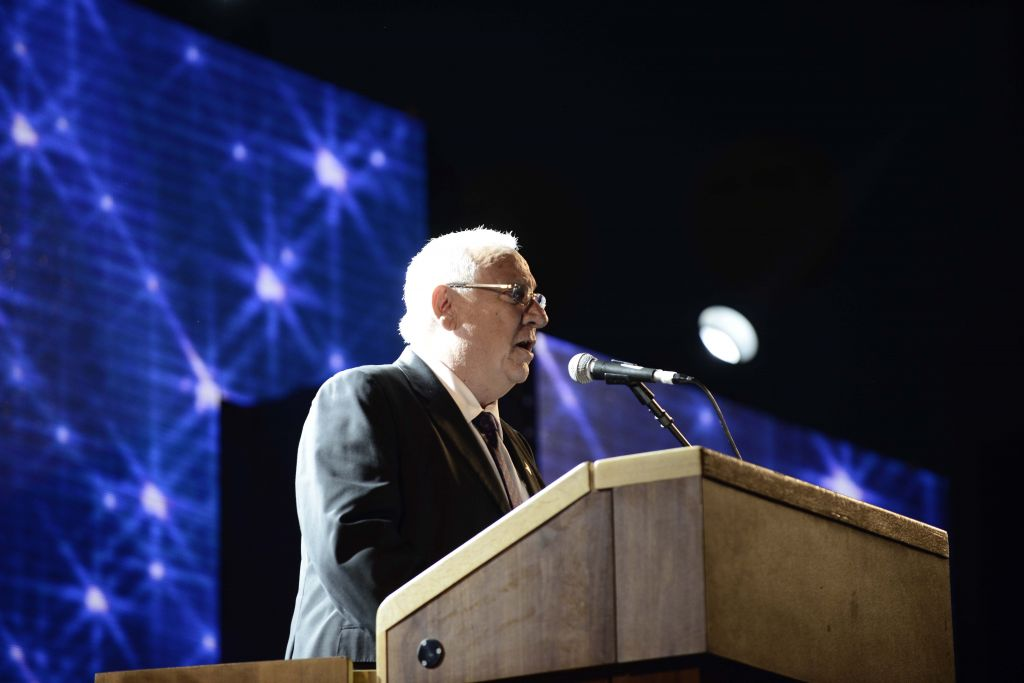 President-elect Reuven Rivlin addresses the crowd in Rabin Square, Sunday, June 29, 2014 (photo credit: Tomer Neuberg/Flash90)