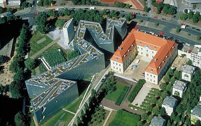 Aeriel-view of the Libeskind-designed Jewish Museum Berlin, to the left of the old Kollegienhaus. (photo credit: CC BY/WIkiCommons/Guenter Schneider/IM Thayer)