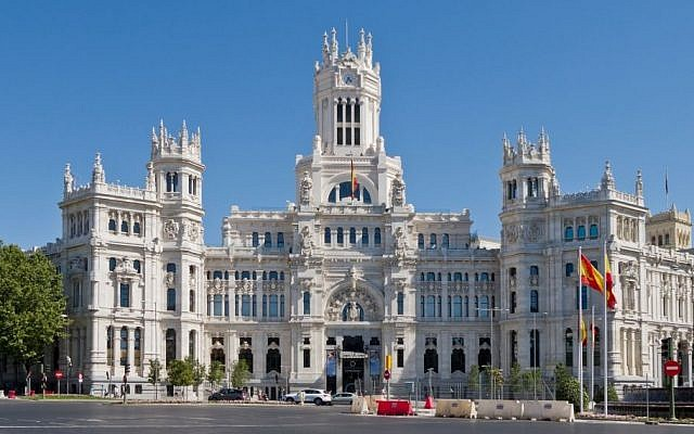 The Palacio de Comunicaciones in Madrid, Spain, an iconic landmark of the city (Photo credit: CC-BY-SA Carlos Delgado/Wikimedia Commons)