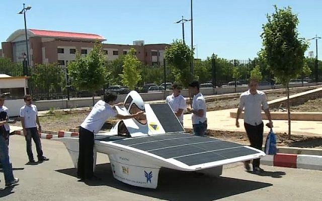 The Havin-2, a solar powered vehicle designed by Iranian students at the Qazvin Azad Islamic University (photo credit: AFP)