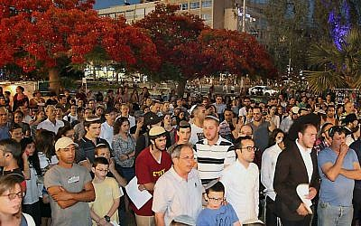 Israelis gather to pray for the release of three Jewish teenagers at Rabin Square in Tel Aviv on June 15, 2014. (photo credit: Gideon Markowicz/FLASH90)