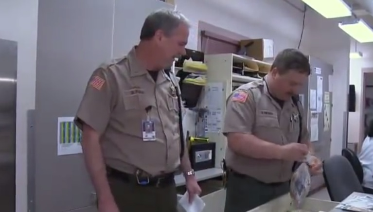 Oregon deputy sheriff files lawsuit alleging anti-Semitism