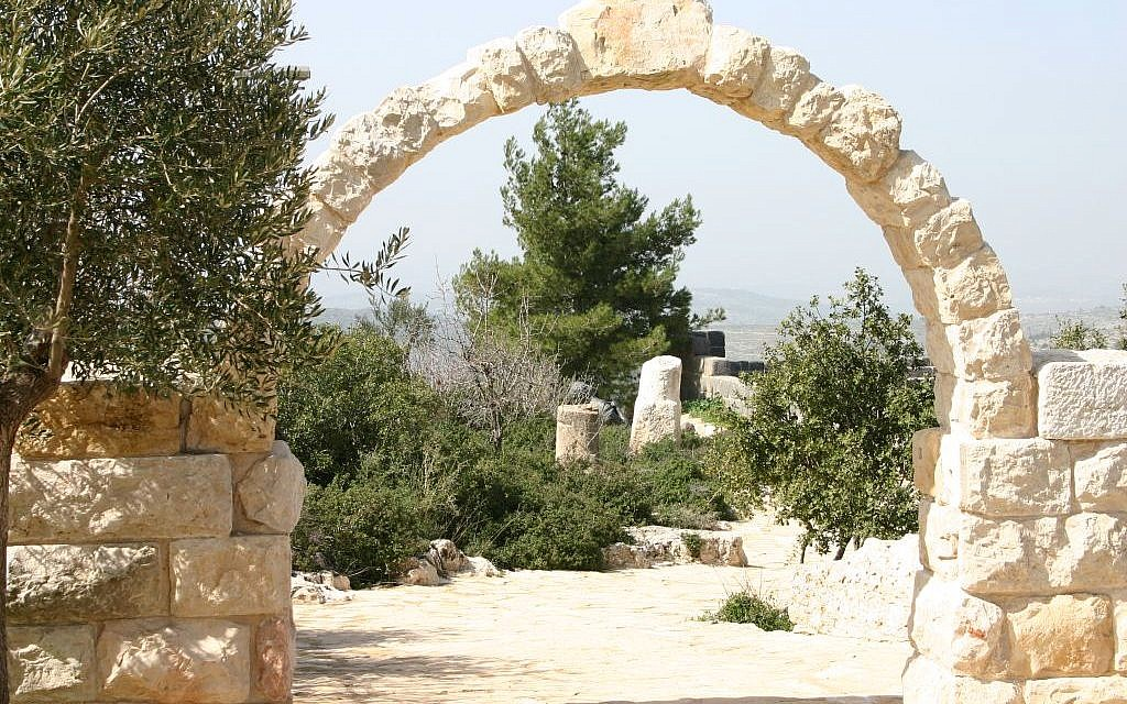 An arch at Yad Hashmona (photo credit: Shmuel Bar-Am)