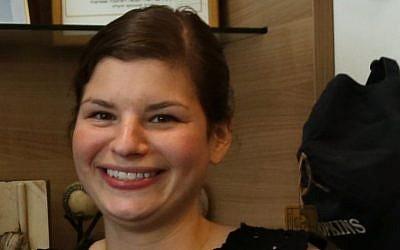 Chicago native Becky Kupchan arrives in Israel, Tuesday, July 8, 2014. (photo credit: Sasson Tiram/Nefesh B'Nefesh)