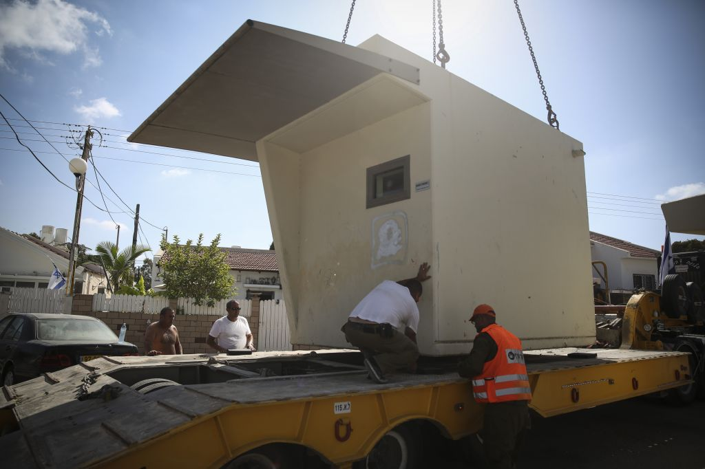 Moving a bomb shelter from one location to another in Ashkelon (photo credit: Hadas Parush)