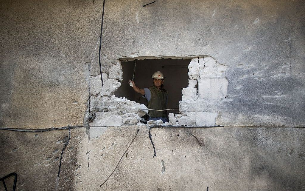 A house in Sderot hit by a rocket fired from Gaza on July 21, 2014. (Photo credit: Yonatan Sindel/Flash90)