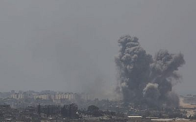 IDF bombings in the Gaza Strip can be seen near the border in southern Israel on July 27, 2014. (photo credit: Hadas Parush/FLASH90)
