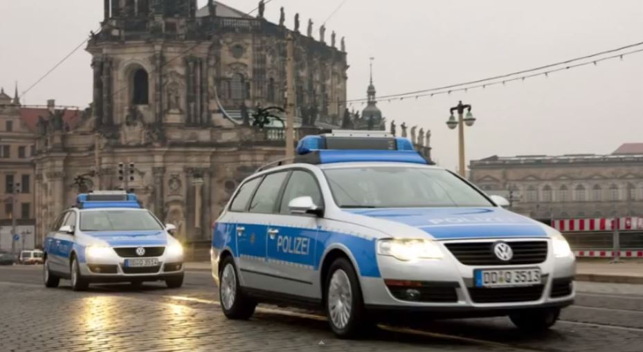 Car In German >> 1 Dead In Suspected Car Bombing In Berlin The Times Of Israel