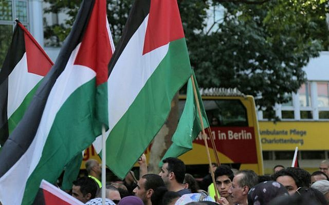 An anti-Israel rally in Berlin's Adenauerplatz on Friday July 18, 2014 (Illustrative photo: Micki Weinberg/The Times of Israel)