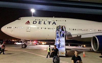 A New York-bound Delta Air Lines Fflight 469 at Ben Gurion Airport near Tel Aviv (AP/Michael Simon)