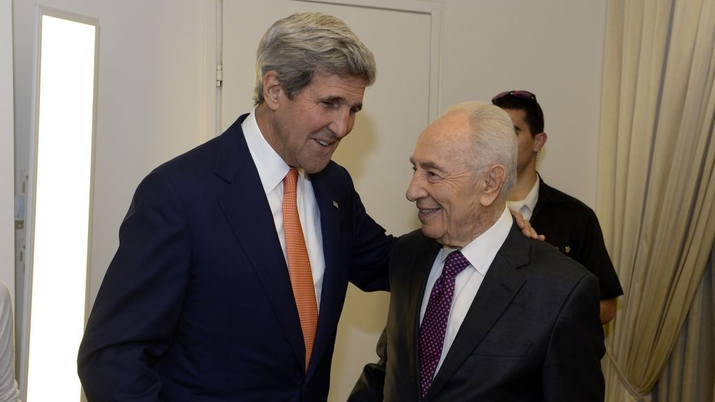 US Secretary of State John Kerry meets with outgoing President Shimon Peres in Jerusalem, Wednesday, July 23, 2014. (photo credit: Matty Stern/US Embassy Tel Aviv)