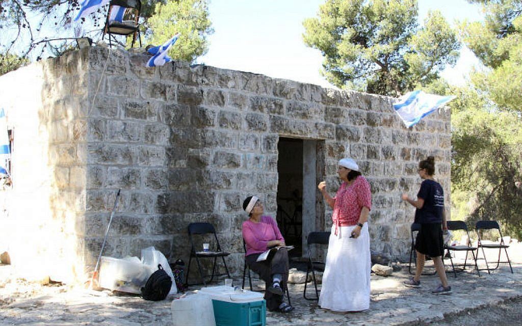 The newly established outpost Givat Oz near the Gush Etzion junction, July 01, 2014 that was set up in response to the murder of three Israeli teens abducted from the site. (photo credit: Gershon Elinson/Flash90)