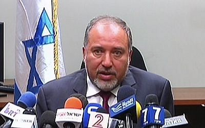 Foreign Minister Avigdor Liberman addresses the press on Wednesday, July 15, 2014 (screen capture: Channel 2)