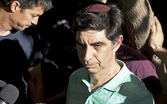 Dr. Simha Goldin, Father of Second Lieutenant Hadar Goldin, speaks with the media outside the Goldin family home in Kfar Saba on Friday, August 1, 2014, after his son is reported kidnapped. (photo credit: Flash90)