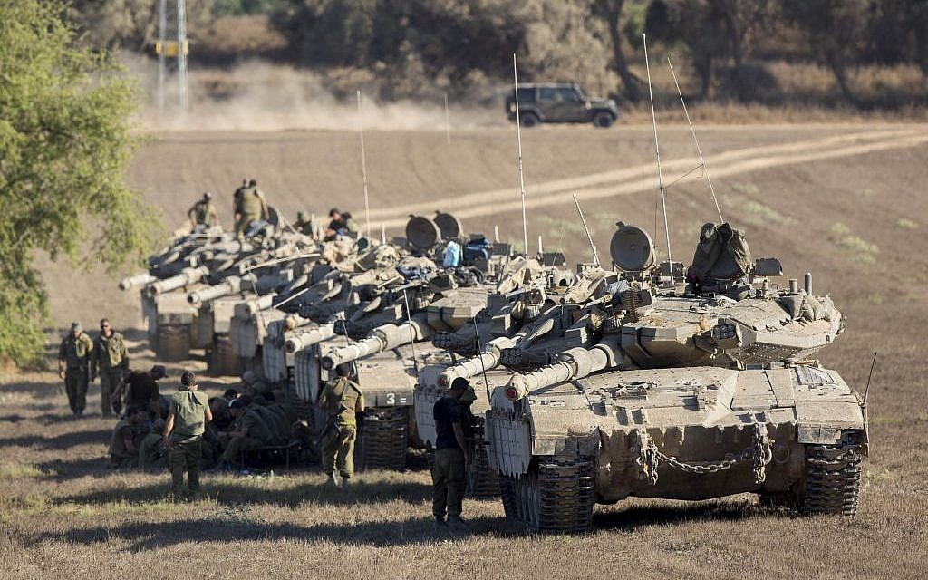 Merkava tanks lined up outside Gaza on August 2, 2014. (photo credit: Yonatan Sindel/ Flash90)