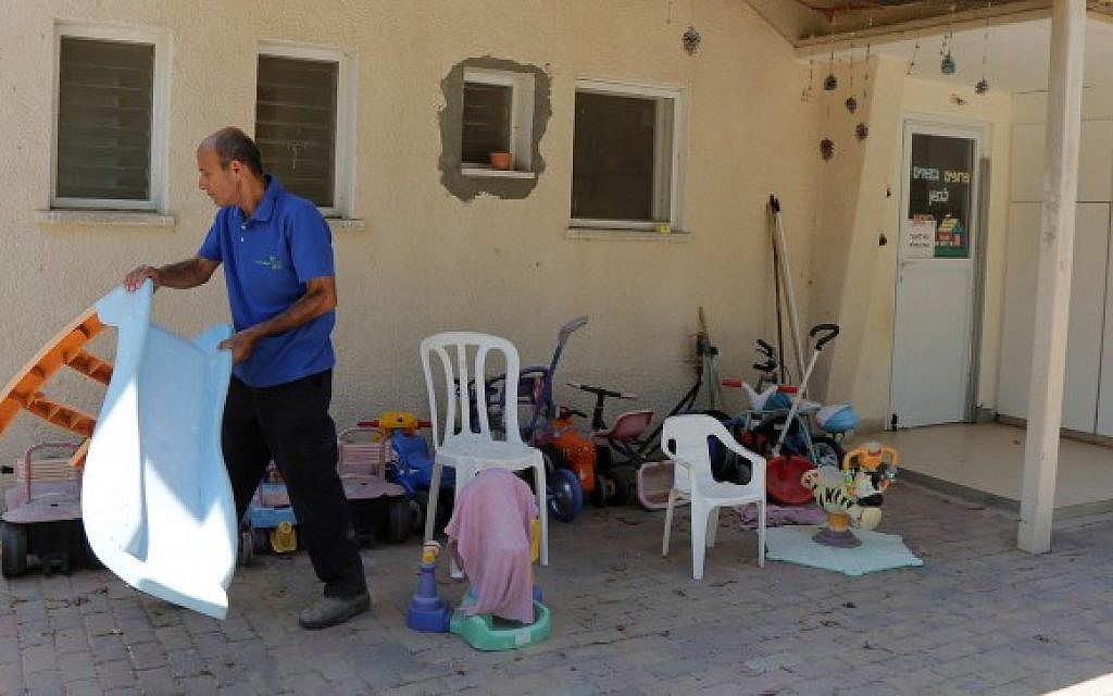 Dani Rechamim, one of few residents of the abandoned Kibbutz Nahal Oz in southern Israel as Hamas terrorists in Gaza continue to fire rockets into Israel. August 10, 2014. (Photo credit: Edi Israel/Flash90)