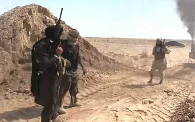 Islamic State fighters on the Iraq-Syria border (screen capture: YouTube/VICE)