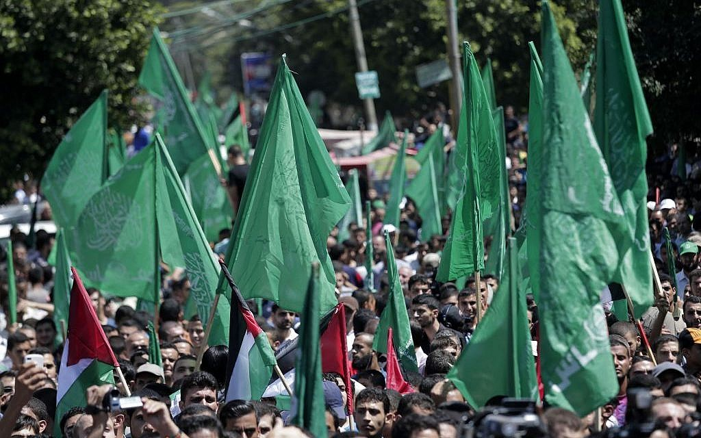 Palestinian Hamas supporters gather for a rally in Gaza City, Gaza Strip, Thursday, August 7, 2014. (photo credit: AP/Lefteris Pitarakis)