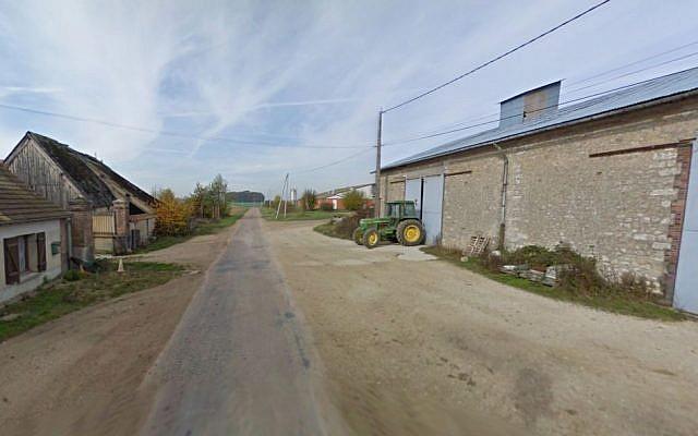La mort aux Juifs. (Screen capture: Google Street View)