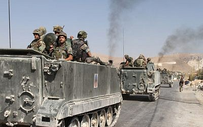 Lebanese troops deploy in the eastern town of Arsal near the Syrian border on August 28, 2014. (AFP/STR/file)