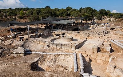 Remains of what archaeologists believe is a Byzantine monastery found near Beit Shemesh. (photo credit: Assaf Peretz, courtesy of the Israel Antiquities Authority)