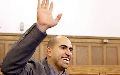 Steve Salaita speaking at a news conference at the University of Illinois campus Tuesday, September 9, 2014. (AP/Seth Perlman)