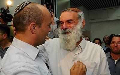 Naftali Bennett (r) with former IDF chief rabbi Avichai Rontzki. (Yossi Zeliger/Flash90)