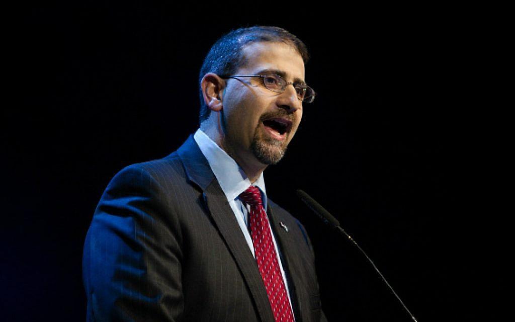 US Ambassador to Israel Daniel Shapiro speaks at the United Jewish Communities General Assembly in Jerusalem on November 11, 2013. (photo credit: Flash90)