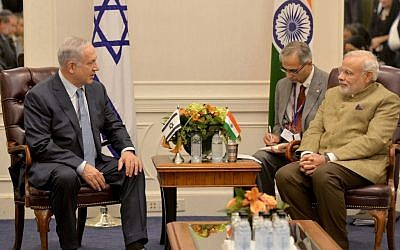 Benjamin Netanyahu, left, meets with Narenda Modi in New York City on September 28, 2014. (Photo credit: Avi Ohayon/GPO/FLASH90)