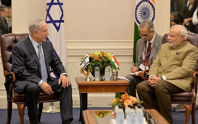 Benjamin Netanyahu, left, meets with Narendra Modi in New York City on September 28, 2014. (Photo credit: Avi Ohayon/GPO/FLASH90)