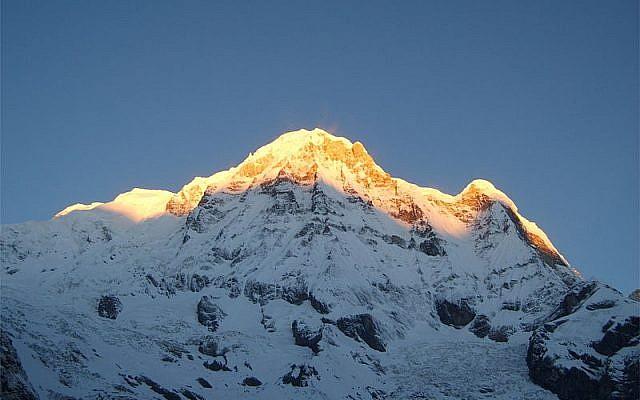 Illustrative photo of the Annapurna Range, Nepal (Wikimedia Commons/CC BY-SA 3.0)