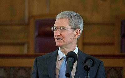 Apple CEO Tim Cook speaks during an Alabama Academy of Honor ceremony at the Alabama state Capitol, in Montgomery, Alabama, on Monday, October 27, 2014. (photo credit: AP/Brynn Anderson)