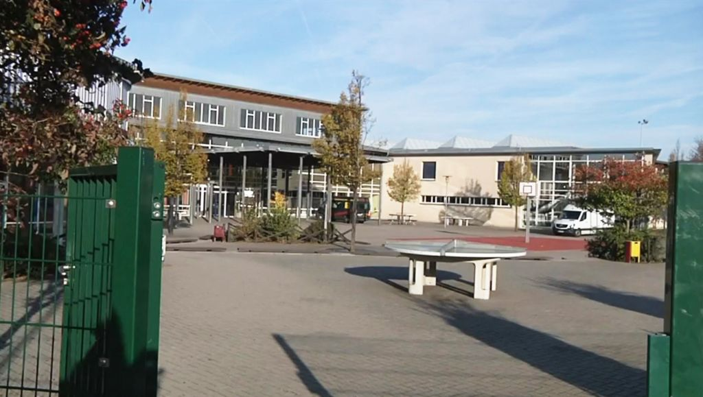 Teachers and parents of the 29 pupils in class 9A at the Landsberg School near Leipzig said they had no idea that the children had such extremist right-wing ideologies. (Europix)
