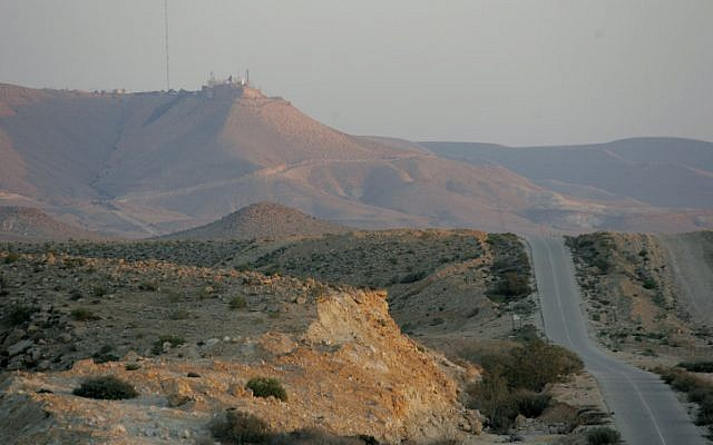 Mount Harif and the road running along the border between Israel and Egypt. (Moshe Shai/Flash90)