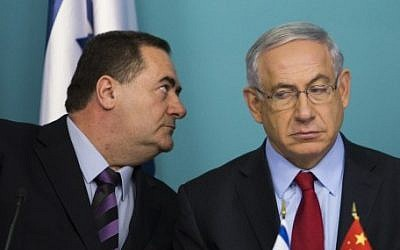 Transportation Minister Yisrael Katz, left, and Prime Minister Benjamin Netanyahu, September 23, 2014. (Noam Revkin Fenton/Flash90)