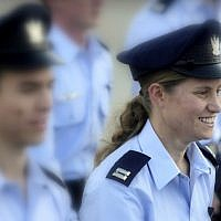 Tamar Ariel during the December 27, 2012 IAF Flight School graduation ceremony, (Edi Israel/Flash90)