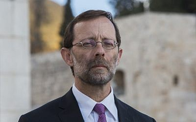MK Moshe Feiglin  (Likud) seen outside the closed entrance to the Temple Mount in Jerusalem's Old City on October 30, 2014. (photo credit:  Yonatan Sindel/Flash90)