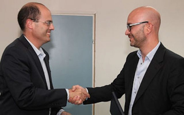 Chief Scientist of the Ministry of Economy of Israel, Avi Hasson, (L) and CEO Telefonica I&D Carlos Domingo (Photo credit: Courtesy)