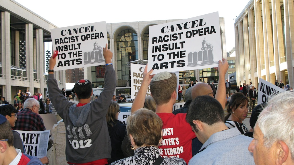 Demonstrators in New York protesting the Metropolitan Opera's decision to produce 'The Death of Klinghoffer,' September 22, 2014. (Raffi Wineburg)