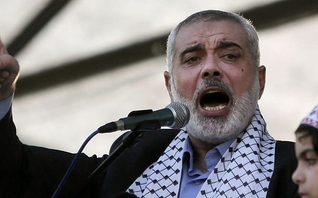 Palestinian Hamas leader in Gaza, Ismail Haniyeh, gives a speech during a rally in Gaza City, Aug. 27, 2014. (AP/Khalil Hamra)