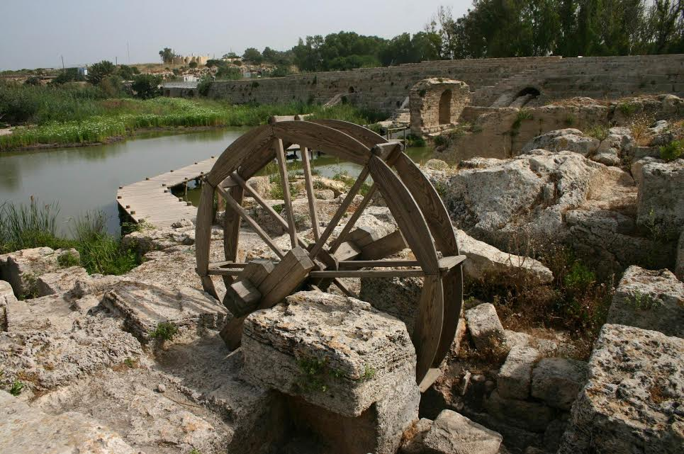 The waterwheel (photo credit: Shmuel Bar-Am)